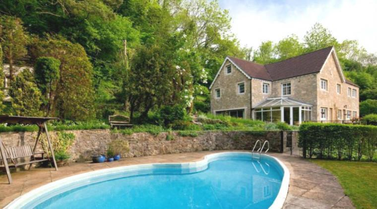 Hidden valley country house near bath box wiltshire - Houses in england with swimming pools ...