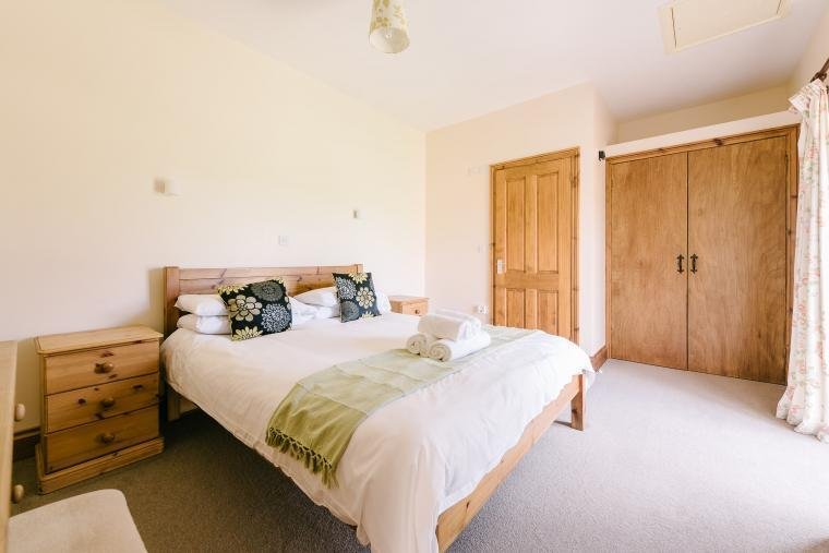 King en-suite bedrooms