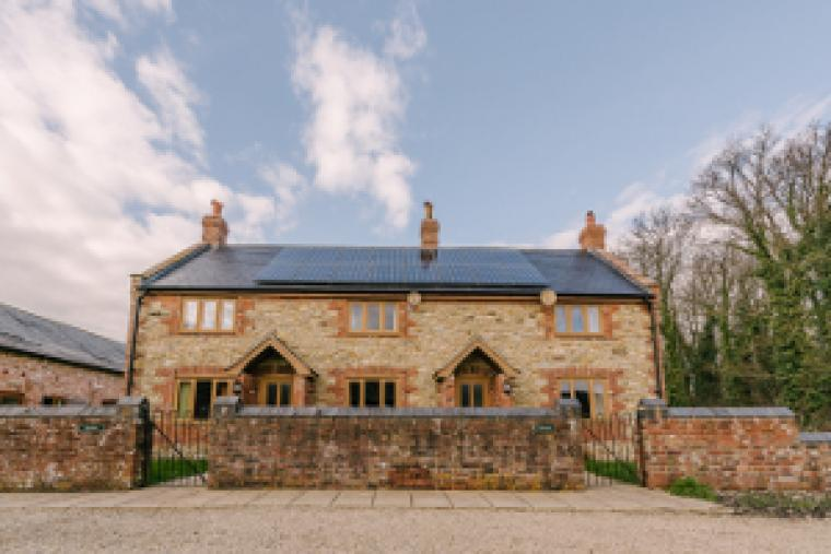 Jasmine & Plumtree Cottages - sleeps 7 & 6