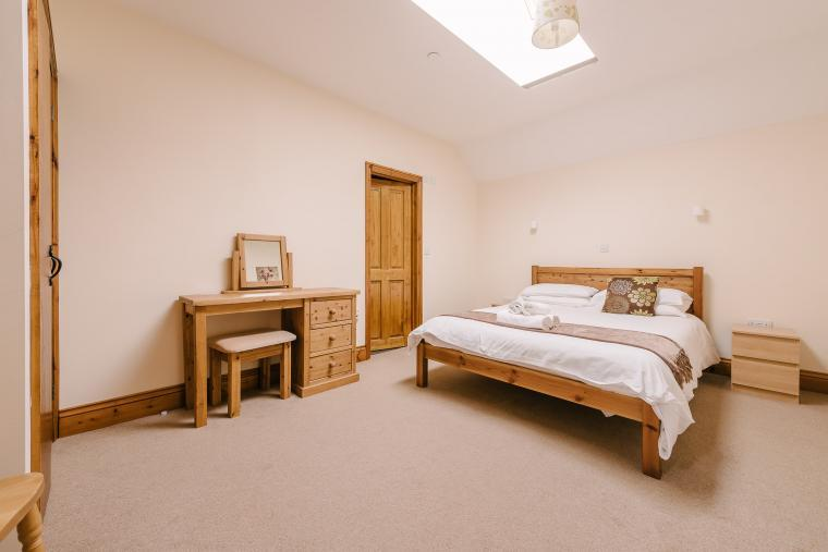 King ensuite bedrooms