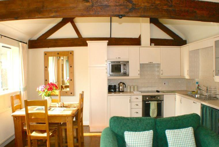 Magdalen-Cottage-Dining-Area
