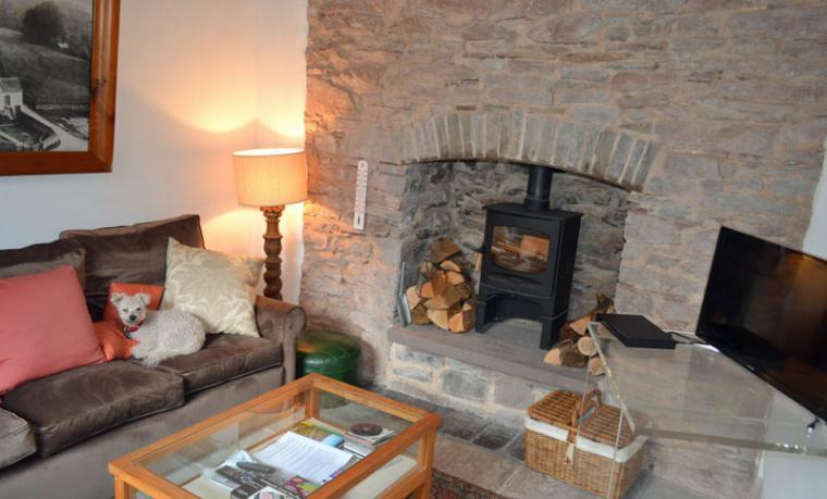 cottage brecon beacons wood burner