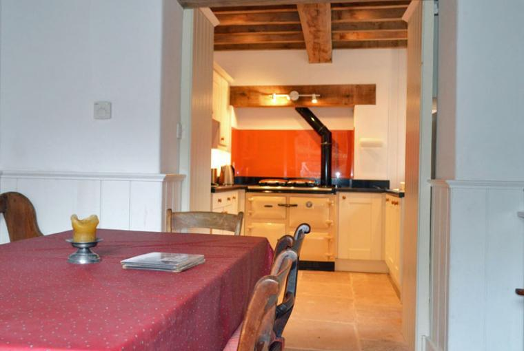 country cottage brecon beacons dining kitchen