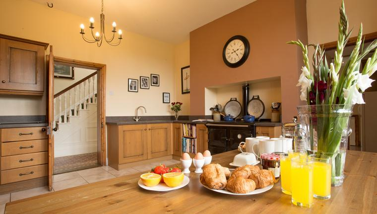 Spacious Kitchen, Follions Country House
