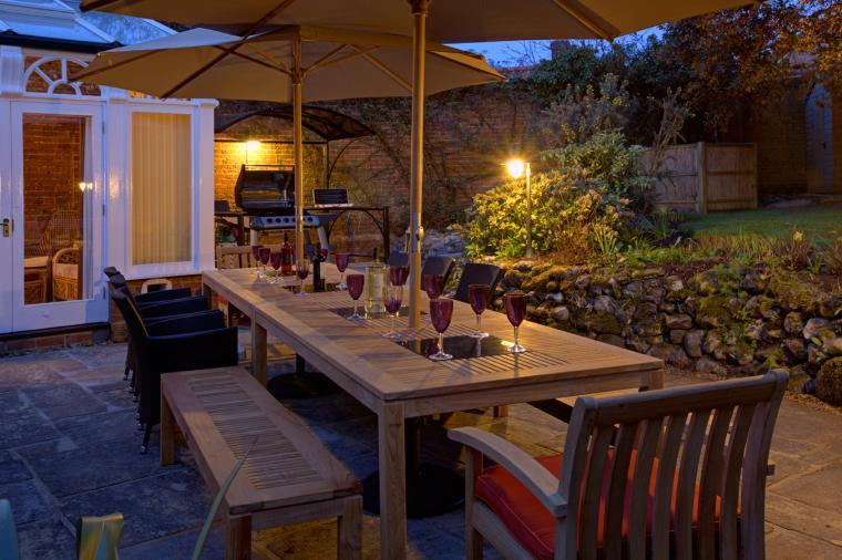 Alfresco dining + BBQ