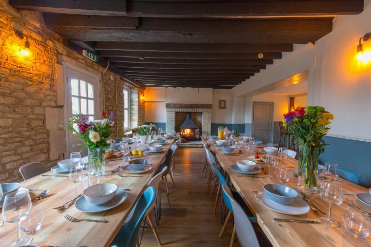 Huge dining room, the Plough