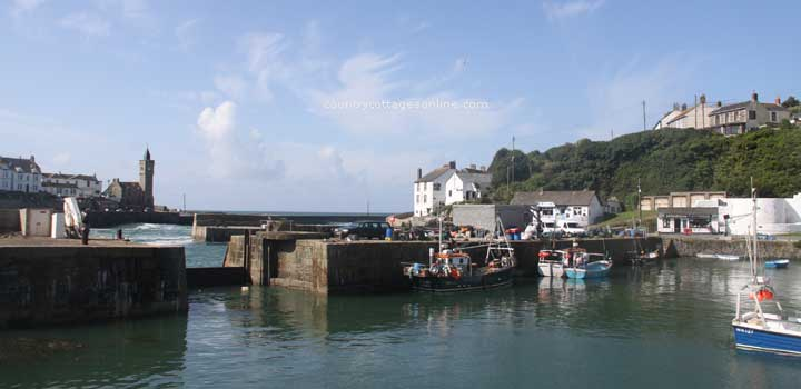 holiday cottages Porthleven Cornwall